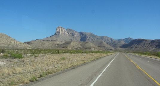 Blick zurück auf die Guadalupe Mountains
