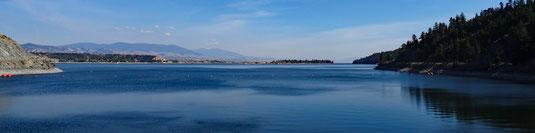 auf der MT-284 am Nordzipfel des Reservoirs