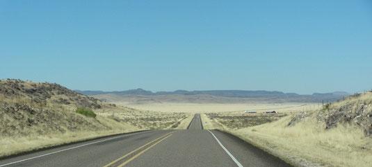 auf der TX-17 zwischen Marfa und Fort Davis