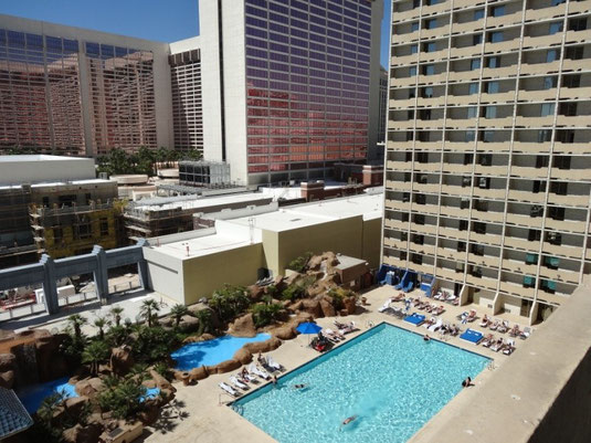 auf unserem Balkon vom The Quad Resort & Casino