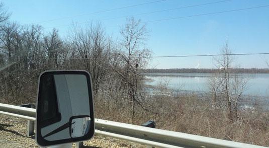 Auf der Illinois River Road