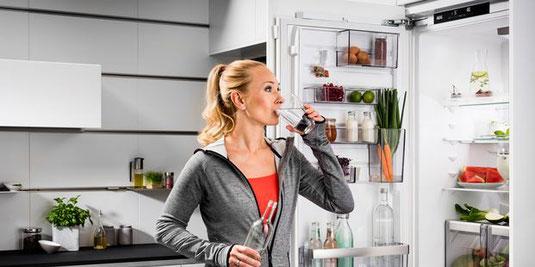 AEG einbau Kühlschrank Verkauf, Lieferung und Montage bei HGS Elektro in Köln