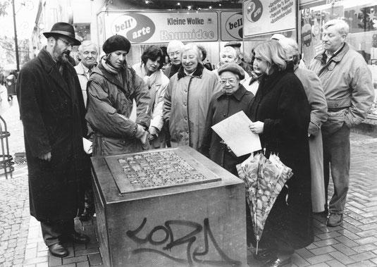 November 1998 Stadtführung zu Stationen jüdischen Lebens