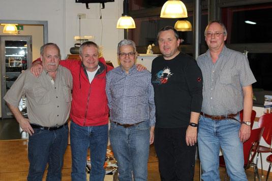 Auf Foto: Marcel Kreienbühl, Norbert Neumeyer, Hans Felder, Ueli Leuenberger, Markus Hofmann. Weitere Teammitglieder die zum Vizemeistertitel beigetragen haben sind René Stöckli, Bernadette Notz und Franz Geisser.