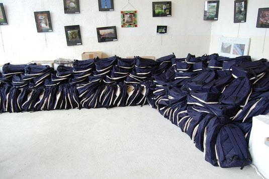 Le stock de sacs (plus de 550)