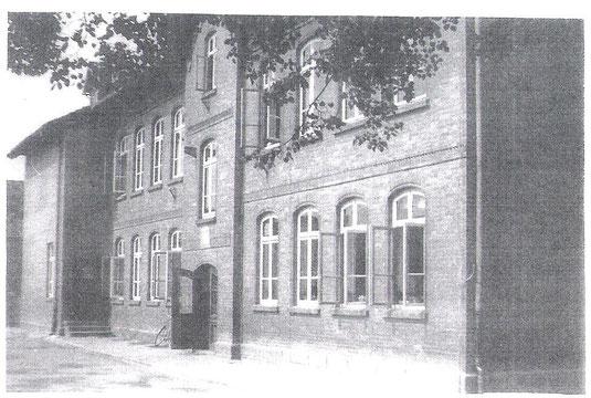 Die Schule in der Kirchstraße um 1960