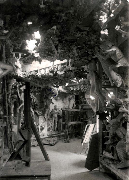 Мастерская Антонио Гауди старые фотографии