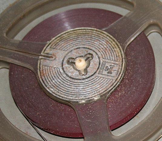 Dieses Tonband hat sicherlich eine Reinigung nötig.