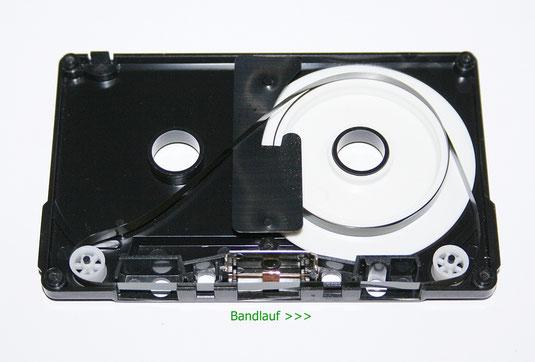 Geöffnete Endlosband-Kassette (endless-tape)