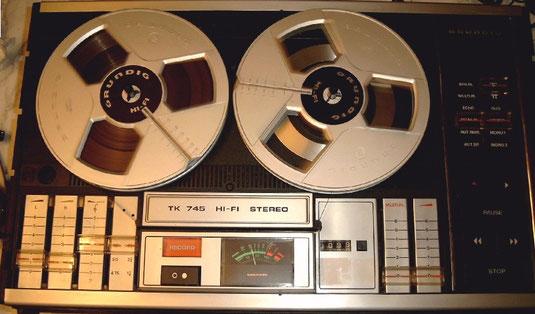 TK 745 Hi-Fi Stereo