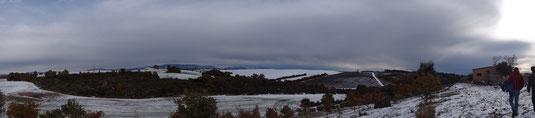 Chaque jour la neige fond peu à peu