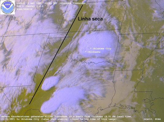 Imagem de satélite mostrando a mesma linha seca da imagem anterior.