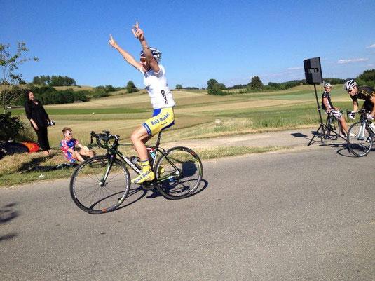 Das Team verhilft Tobias zum zweiten Tagessieg auf der 4. Etappe