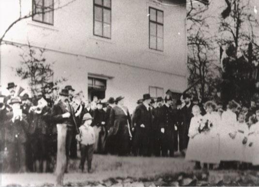 Schuleinweihung 1906