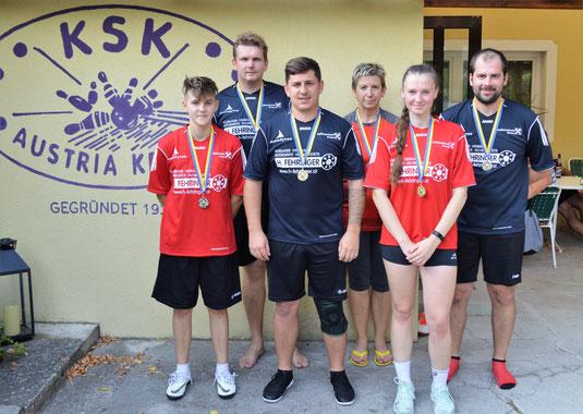 v.li.n.re.: Resi, Jaroslav, Manuel, Monika, Jitka, Patrick