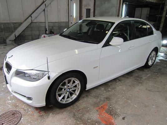 BMW320iの磨き無しボディーコーティング(マニキュアコート)の施工前写真①