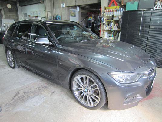 BMW320d(クリーンディーゼル)純正18インチアルミホイール(ポリッシュ)のガリ傷・擦りキズのリペア(修理・修復・再生)後、車両全景写真