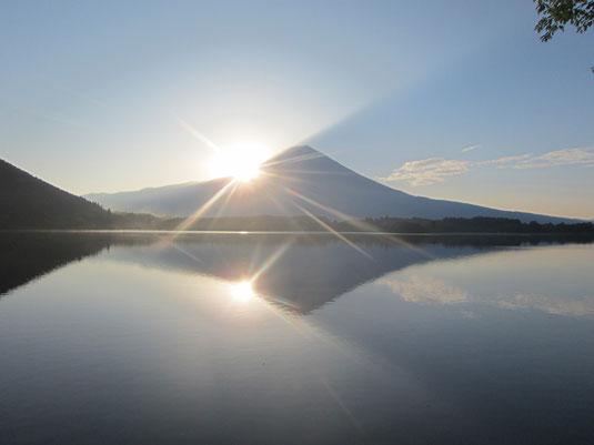 世界文化遺産 富士山の日の出時写真