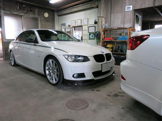 BMW335iカブリオレ純正アルミホイールのガリ傷・擦りキズのリペア(修理・修復)後の車両全景写真