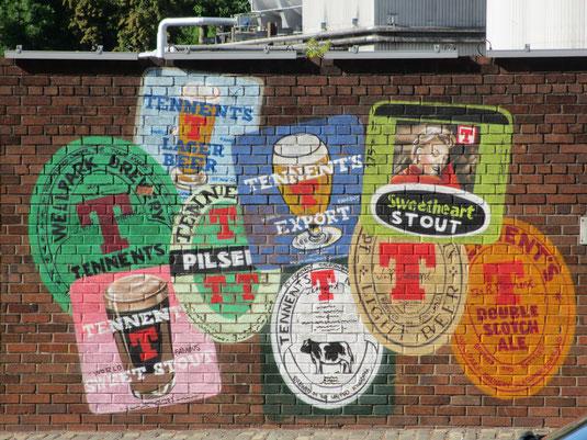 Mauer der Wellpark Brewerey - Vor Ort gibt es ein großes Angebot an Bieren zur Verköstigung
