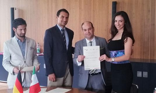 Auszeichnung durch Konsul Dr. Horacio Saavedra