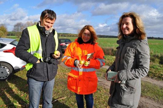 Foto Andrea Weinke-Lau, Mitarbeiter des Straßenbauamtes Schwerin und vom BUND
