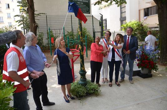 De gauche à droite sur la photo, Johann Fortier, Jean-Pierre Castelain, Christiane Delpech, Christiane Taubira, Carine Petit, Catherine Vieu Charier et Jean-Paul Lecoq