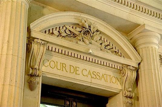 ce nest que le 15 juin 1918 que la cour de cassation chambre criminelle innocentera dfinitivement jules durand lors dune audience publique laquelle