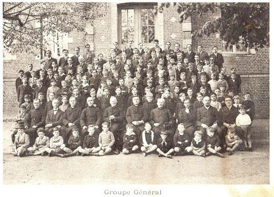 Groupe général de l'école Saint joseph de Vervins en 1931