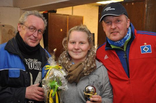Neue Meisterin: Jenny umrahmt von den Organisatoren Klaus und Cord