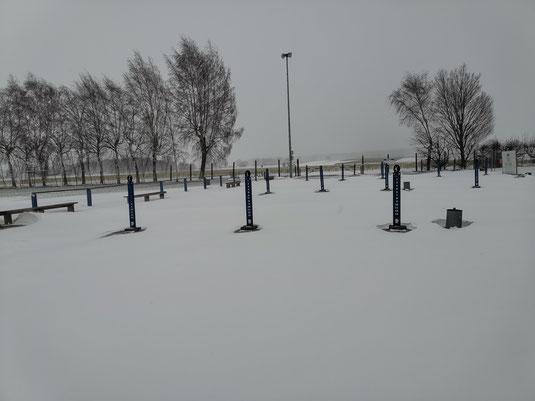 Der Boulepark am Sonntag während des starken Schneegestöbers