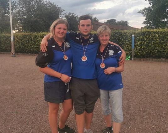 Silber für Blau: Vivien, Sven und Barbara sind Vizelandesmeister