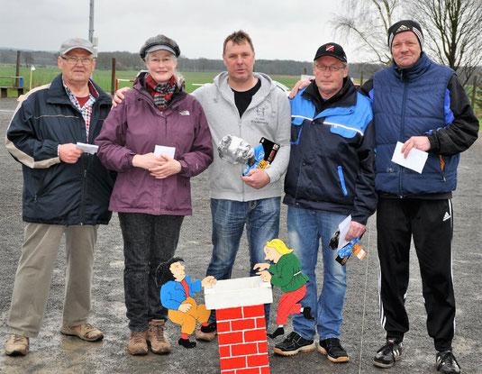 Die ersten beim letzten: Hartmut, Renate, Holger, Klaus und Ralph