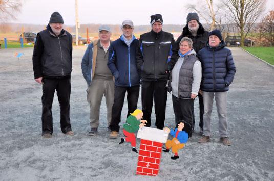 7 von 8 Ungeschlagenen: Wilfried, Hartmut, Horst, Ralph, Birgit, Paul und Klaus