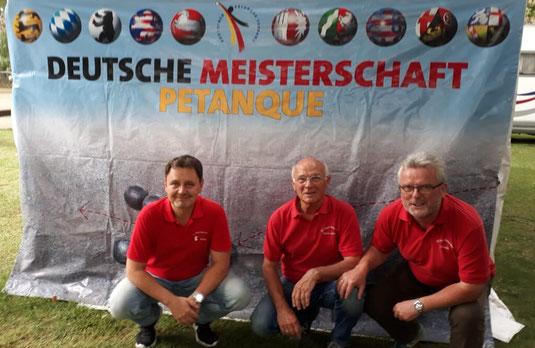 Klaus, Jürgen und Frank (v.r.) vor einem langen und erfolgreichen DM-Tag