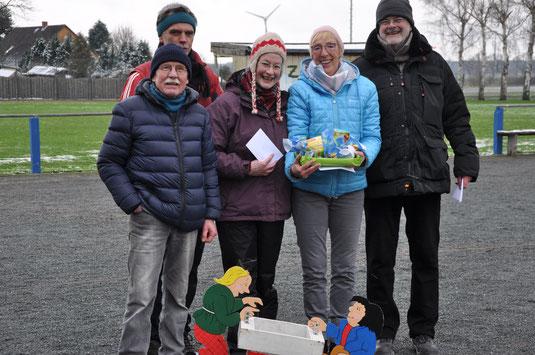 Den Schnee am besten weggespielt: Klaus, Martin, Renate, Ulla und Paul