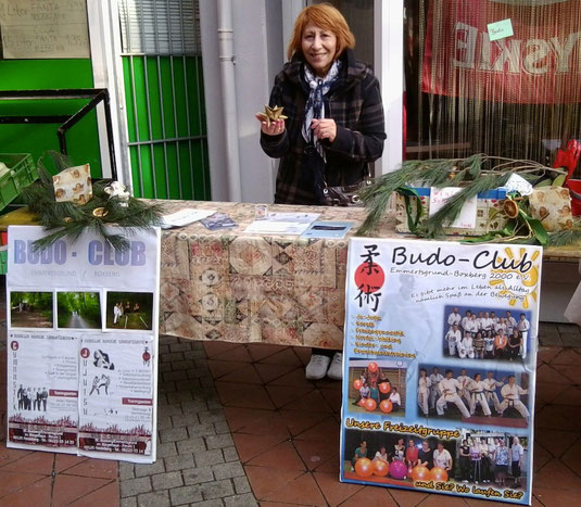 Der BudoClub auf dem Emmertsgrunder Weihnachtsmarkt im Forum: Dankenswerter Weise organisiert von der Freizeitgruppe!