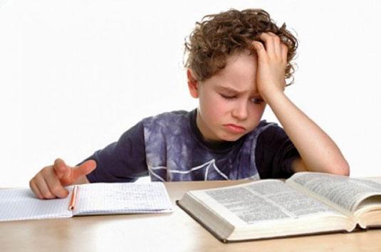 Узнаете в этом мальчике совего сына, внука, племянника? Ваш ребенок не хочет читать. Напишите об этом в моем блоге.