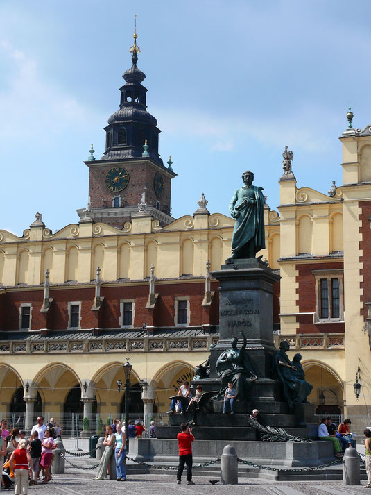Der zentrale Treffpunkt  der Stadt: Das Mickiewisz-Denkmal - Der Goethe Polens... (Foto Jörg Schwarz)