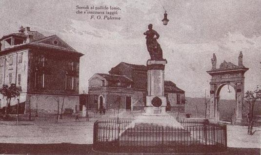 Il monumento ai Caduti in P.zza Vittorio Veneto inaugurato il 23 marzo 1924