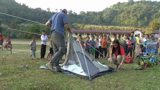 Camping dans un village