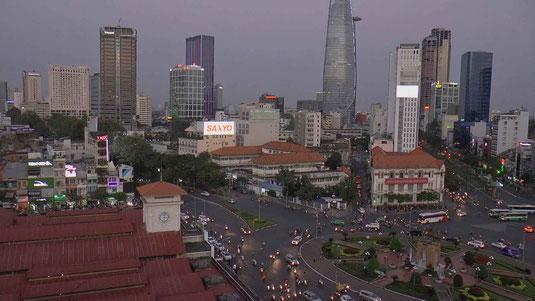 Ho chi Minh à la tombée de la nuit