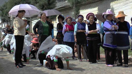 Scènes de funérailles près de Dali