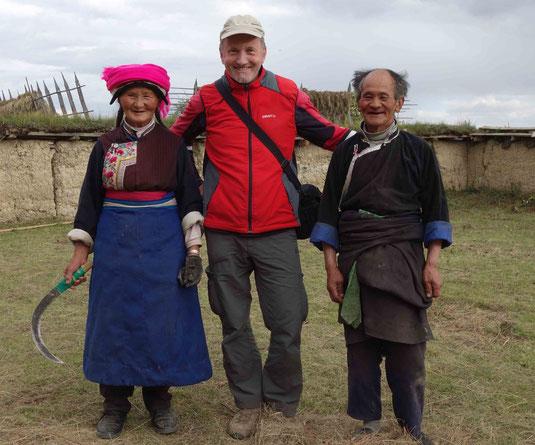 Rencontre avec des villageois tibétains dans un village proche de Shangri-La