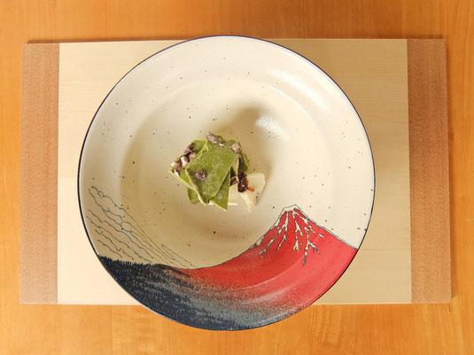 写真:凱風快晴8.5段付盛鉢