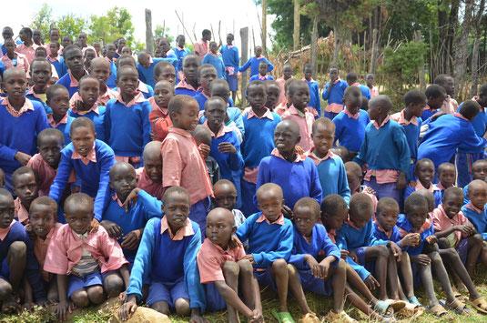 Diese Kinder freuen sich über Ihre Hilfe!