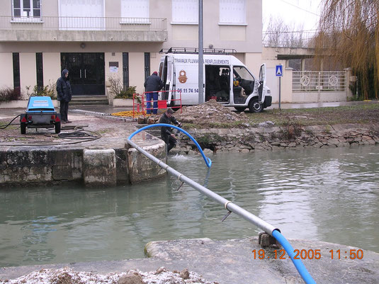 CANALISATIONS SOUS FLUVIALE.