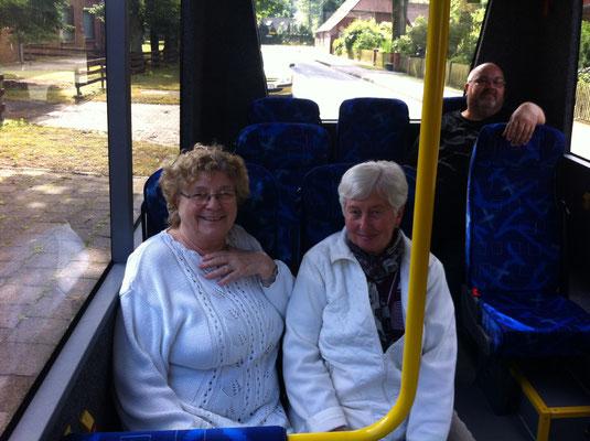 Frau Gerber (links )und Frau Hellmann (rechts)