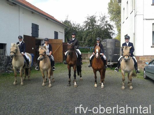 Teilnehmer der Fuchsjagd der Pferdefreunde Sterzhausen (Foto: privat)