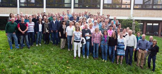 Schulleitung, Verwaltung & Lehrerkollegium im September 2014. Foto: Adrian Nestoriuc. Zum Vergrößern anklicken!